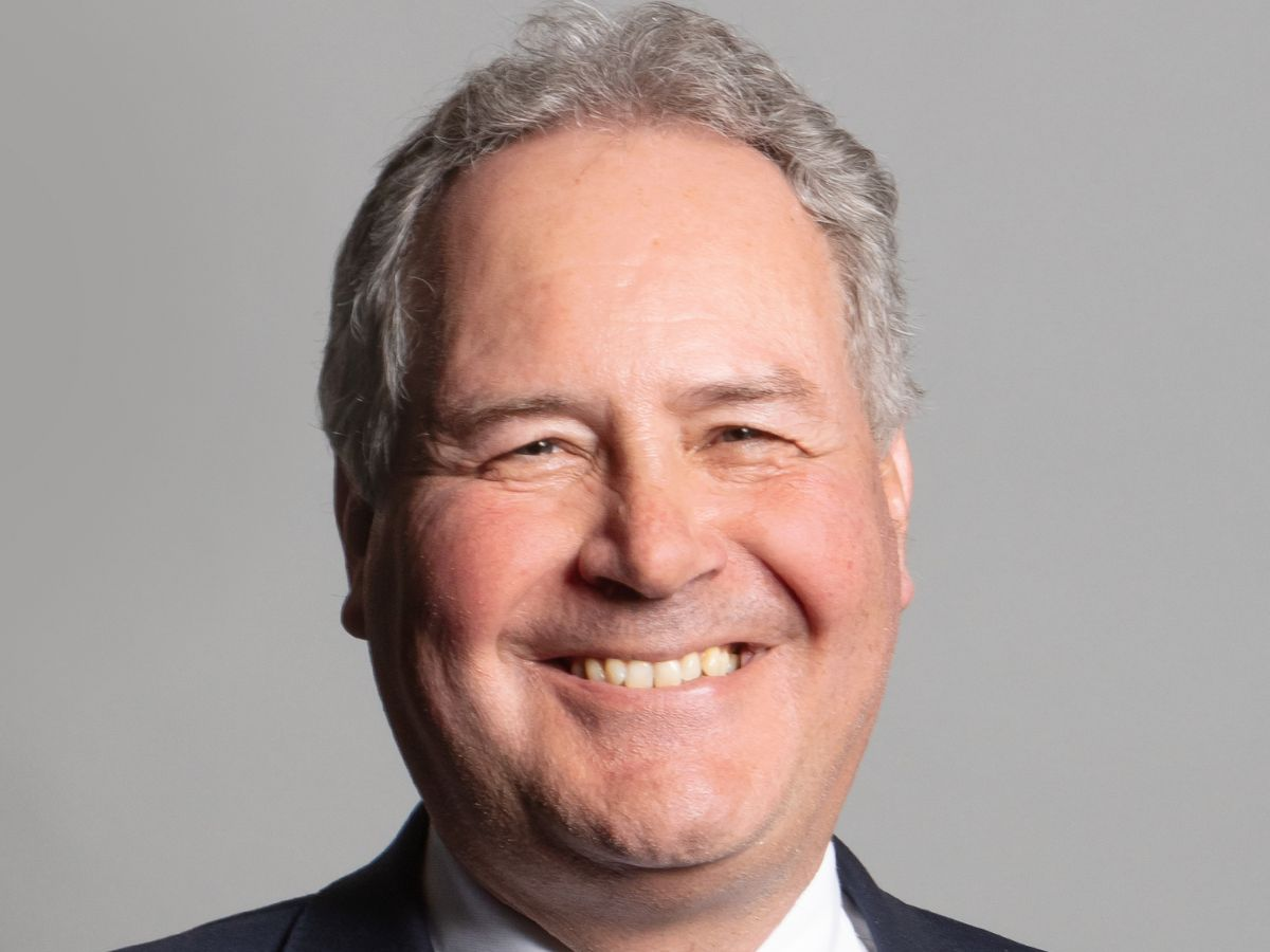 Bob Blackman MP writes to the FA over failure to take action against players waving Palestinian flags